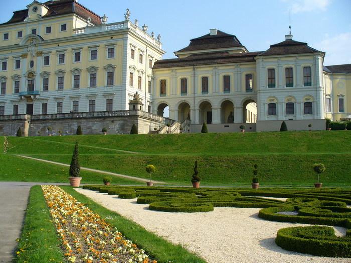 Людвигсбургский замок-резиденция. 47000