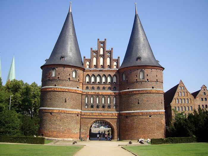 Голштинские ворота - Holstentor -Любек 15369