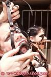 Девушки рабыни в кандалах