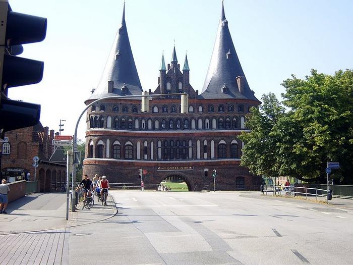 Голштинские ворота - Holstentor -Любек 37701