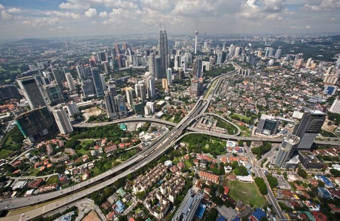 800px-Виды_Куала-Лумпура,_Малайзия (700x455, 187 Kb)