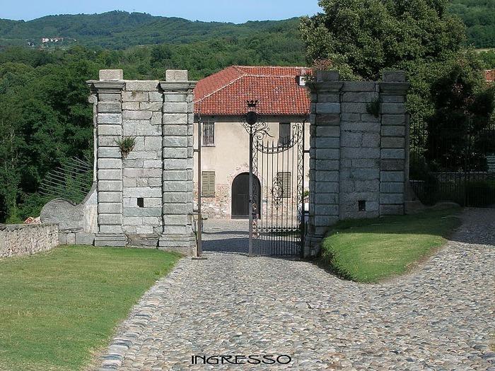 Замок г. Мазино - Castello di Masino, Italia 90089