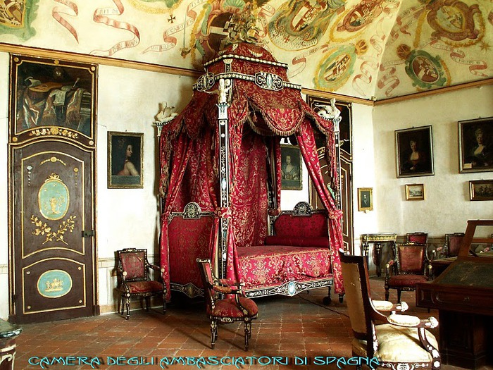 Замок г. Мазино - Castello di Masino, Italia 90095
