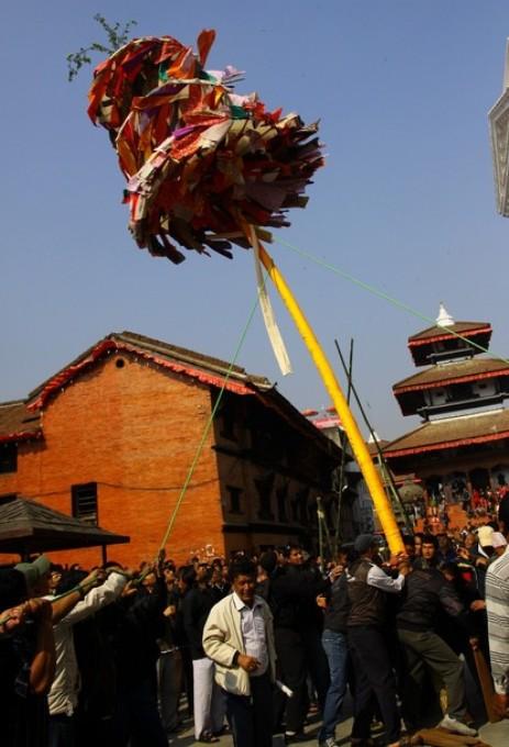 Холи фестиваль цветов (Holi festival of colours) в Катманду, Непал, 13 марта 2011 года.