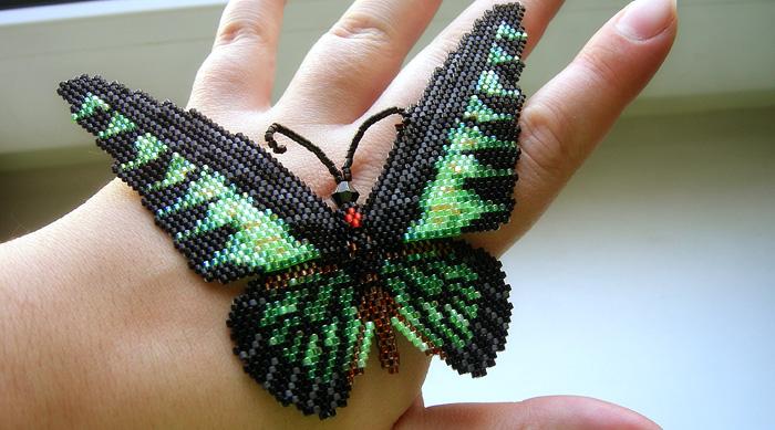 бабочка из бисера видео