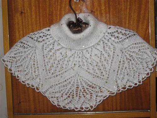 Описание: вязание манишки на вязальной...