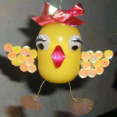 Прочитать целикомВ. понадобится: желтое яйцо от киндер-сюрприза лента для оформления букетов ярко-розовая...