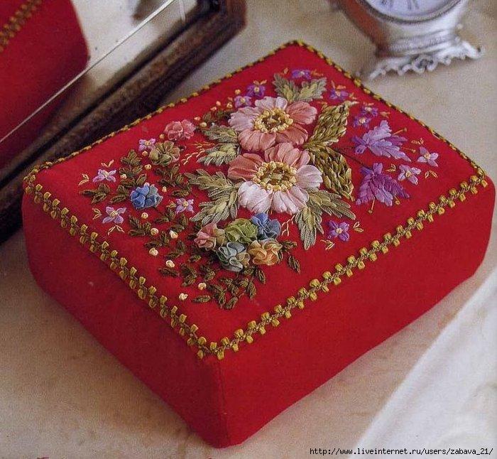 Вышивка шелковыми лентами.  Розы Шёлковая лента, парча, 111x154 мм.