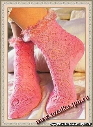 Вязаные носки спицами с защипывающимися краями, схема и описание.