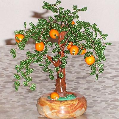 Мандариновое дерево (из бисера) 19 см. Мандариновое (апельсиновое) дерево со множеством созревающих плодов...
