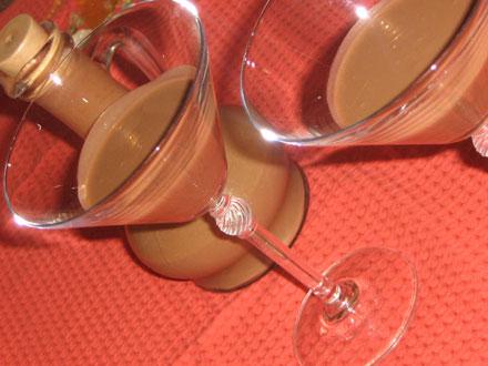 Рецепт яичного кофейного ликера.  Ликер для коктейлей Этот рецепт в...