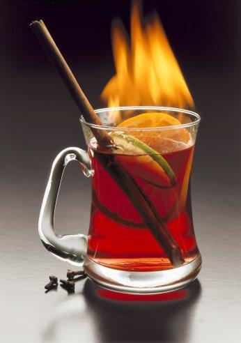 Грог ( англ grog) - горячий алкогольный напиток.