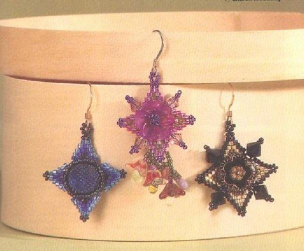 На этих схемах показаны разные примеры серег из бисера и несколько вариантов расцветок.  Серьги на любой цвет и вкус.
