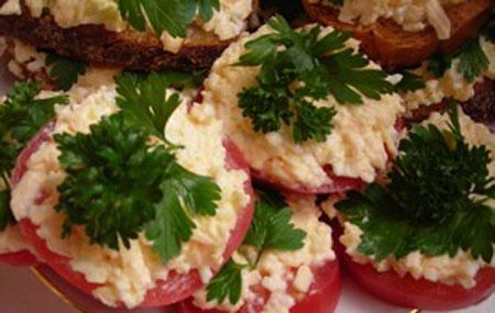 Уверены, что красивые закуски и салаты - это именно... помидоры - четыре...