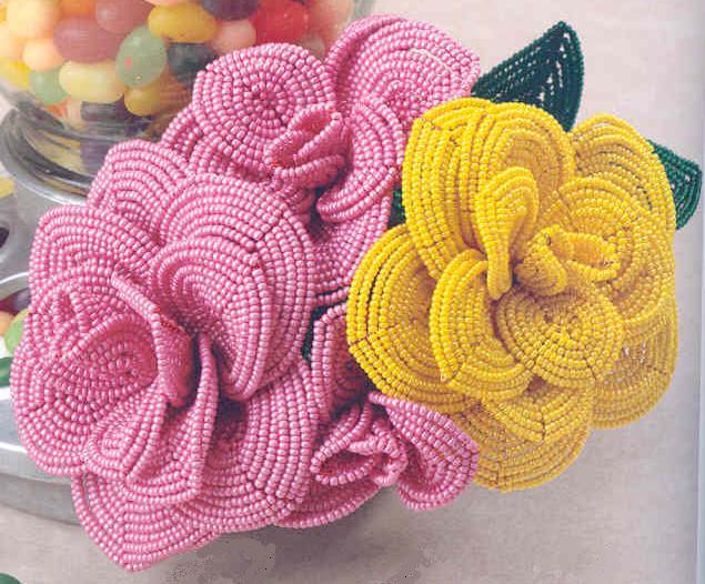 Итак, увлекательное бисероплетение цветов - схемы роз. .  1. Бисероплетение цветов розы - вариант первый. .