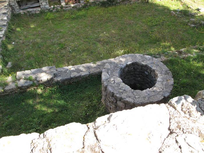 Камень на колодец своими руками 633