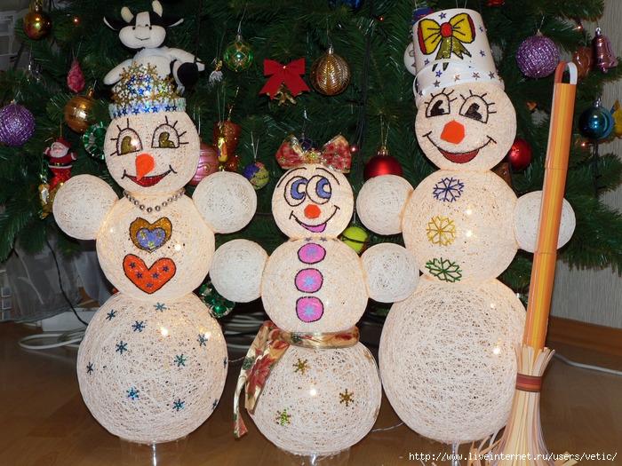Снеговики из ниток своими руками