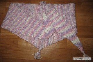 Бактус - шарф в виде узкой косынки.  Вяжется проще-простого: -Набрать 3 петли, все ряды вяжем лицевыми петлями. -В...
