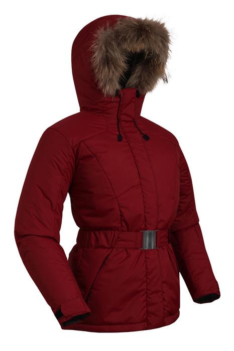 Представлен широкий выбор курток, дубленок, шуб.  Женская куртка аляска.