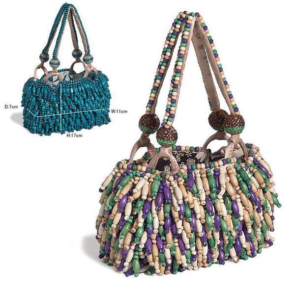 Представляю вашему вниманию рукодельные сумочки (фото со всего инета).