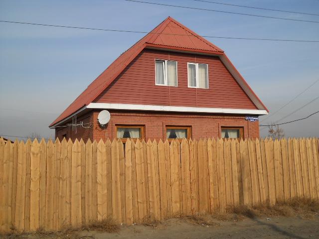 Дом со шпилем фото
