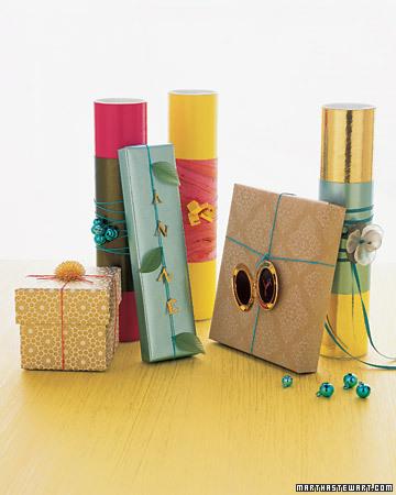 Много новогодних подарков своими руками