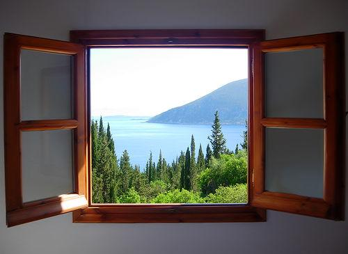 Фото открытое окно