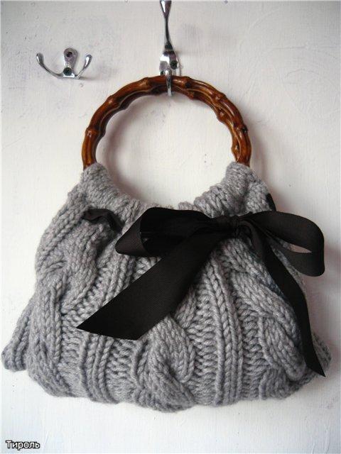 как связать на спицах сумочку для девочки.