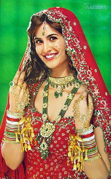 Индийские кинозвезды в современном виде и в индийских праздничных и свадебных нарядах. Обсуждение на LiveInternet - Российский С