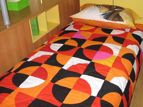 Лоскутные панно или покрывала.  Еще полгода назад твердо решила: лоскутному покрывалу в моей спальне быть.