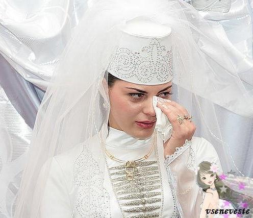 Национальные свадебные платья.  Кавказ.  1.