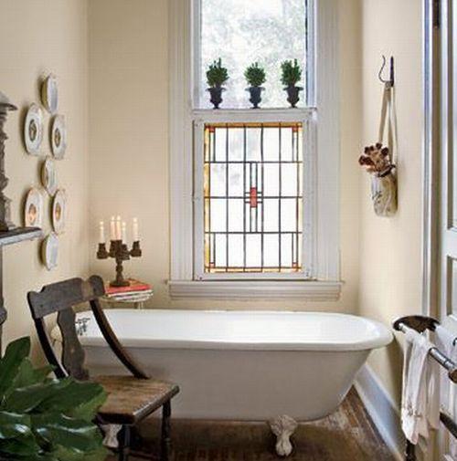 Те окна, которые делались в ванных комнатах во времена застоя, окнами...