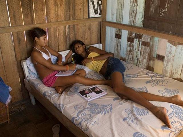 Рост 14-летней бразильянки перевалил за два метра.