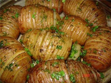 картошка молодая запеченная в духовке в мундире