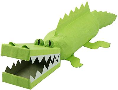 Re: Из маминого сундучка.  Записан. крокодил из бросового материала (идея) .