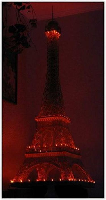 Это интересно = Эйфелева башня из спичек (11 фото) .