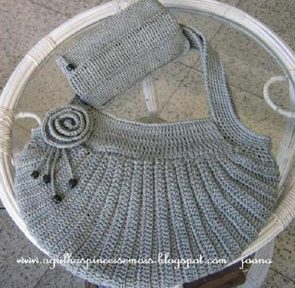 Вязание есть также в разделах: схема вязания вечернего платья, вязание носка с носков и вязание детских вещей.