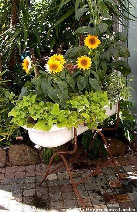 Декор сада из подручных материалов