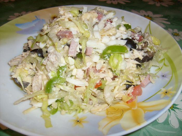 Салат с ветчиной куриной