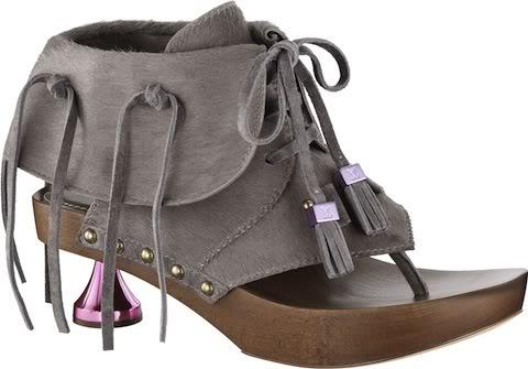 Новая осенняя коллекция обуви Луи Витон 2012 стала.