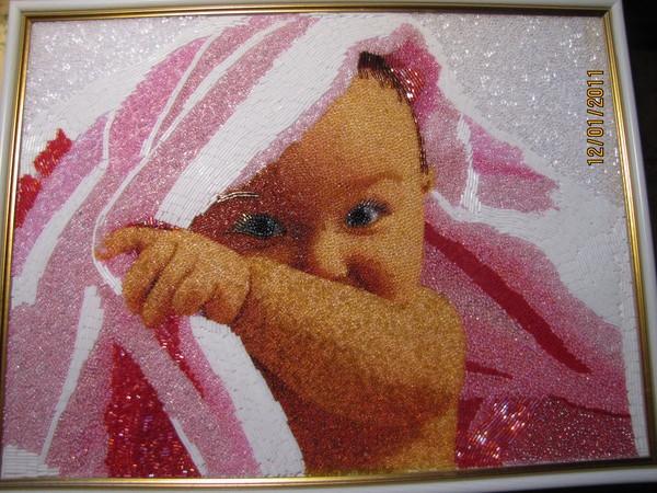Эти чудо-картины из бисера, стекляруса и полудрагоценных камней творят Наталья Новикова и ее мама. .
