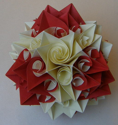 Традиционно оригами кусудама