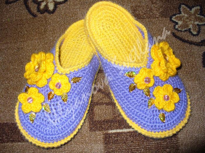 Вяжем носки крючком для начинающих - Как вязать носки крючком мастер класс how to croсhet soсks.
