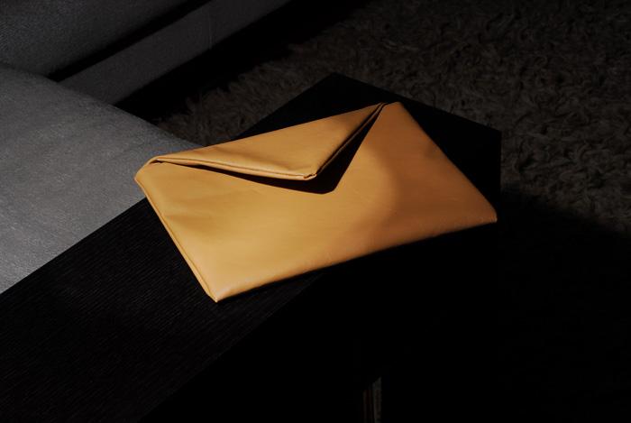 сумка на длинном ремешке крючком