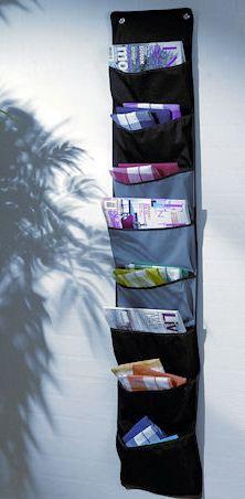 Для этого есть замечательные идеи разных карманчиков, ведь так удобно когда рядом с креслом лежат газеты и.
