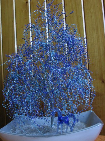 ромашка из бисера схема, цветы из бисера, цветок из бисера мастер . .  Для цветка из бисера и рубки нам нужно...