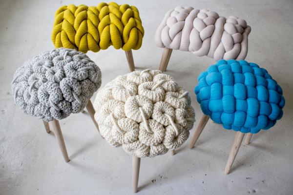 Вязанные стулья от Клэр Энн О'Брайен.
