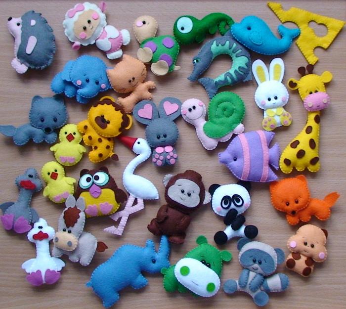 Цветы из кожи кЕлочные игрушки из фетра