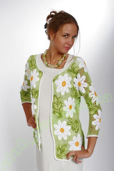 Вяжем платья ромашками