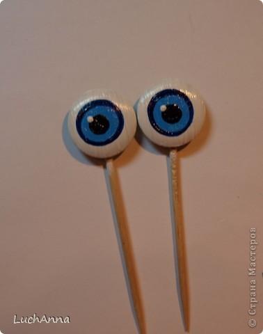 Глазки из пуговиц куклам